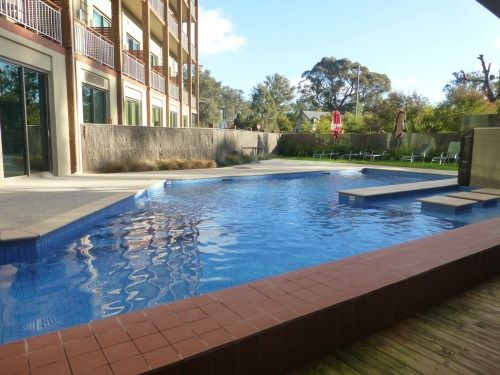 novotel forest creswick resort swimming pool